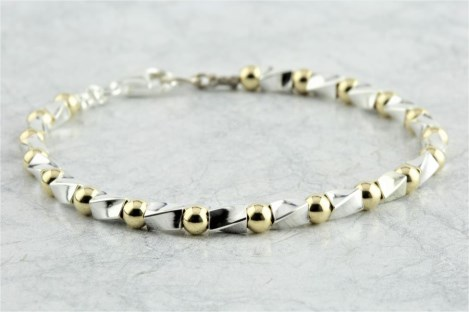 Gold and silver bracelet | Image 1