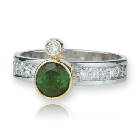 9ct White Gold Ring set with Eleven Diamonds and Single set Green Tourmaline | Image 1