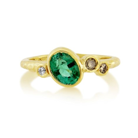 18ct Gold Emerald and Champagne Diamond hammered ring | Image 1