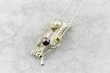 Gold and silver handmade pendant with freshwater pearls | Image 1