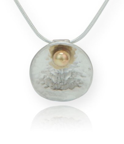 Sterling Silver and 9ct Gold Oyster Pendant | Image 1