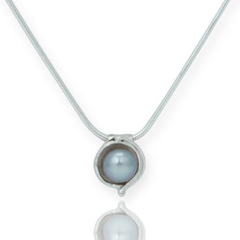 Silver and Grey Pearl Pendant | Image 1