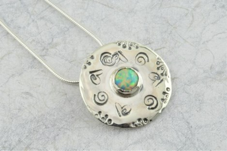 Opal and silver pendant | Image 1