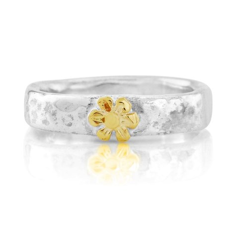 Hammered Flower Ring | Image 1